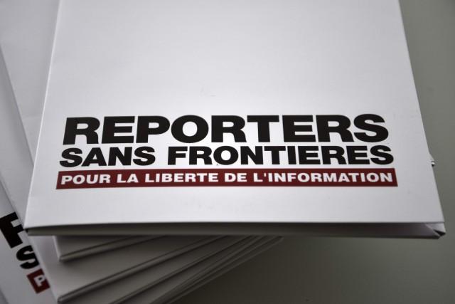 Reporters sans frontières a également appelé à l'abandon... (Photo PHILIPPE LOPEZ, AFP)
