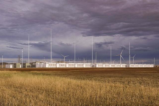 La plus grande batterie au monde (photo), une... (NEOEN VIA AFP)