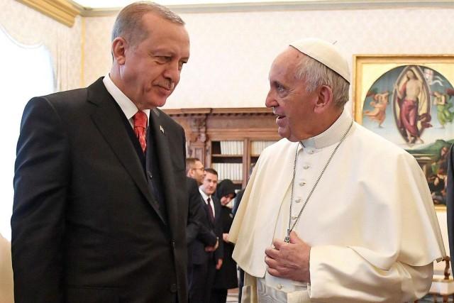 Le pape argentin, qui n'a de cesse de... (PHOTO REUTERS)