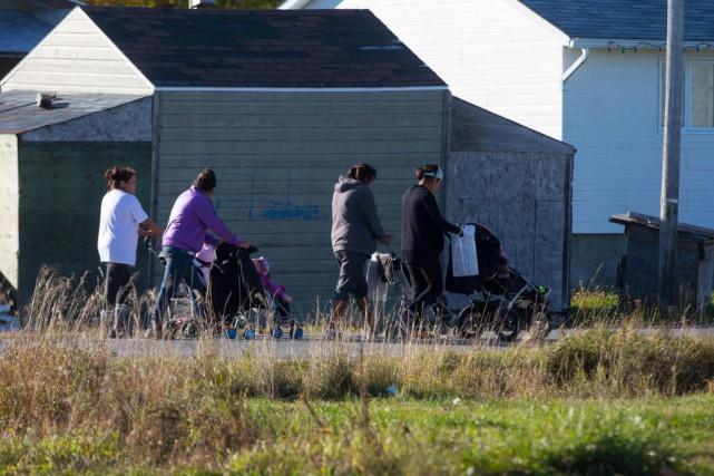 Des résidantes de la communauté de Lac-Simon... (PHOTO OLIVIER JEAN, LA PRESSE)