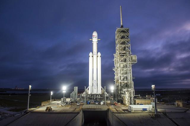 Une fuséeFalcon Heavy de SpaceX, installée à Cape... (SpaceX via AP)
