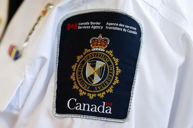 Depuis quelques dizaines d'années, les voyageurs canadiens en... (PHOTO MARK BLINCH, ARCHIVES REUTERS)