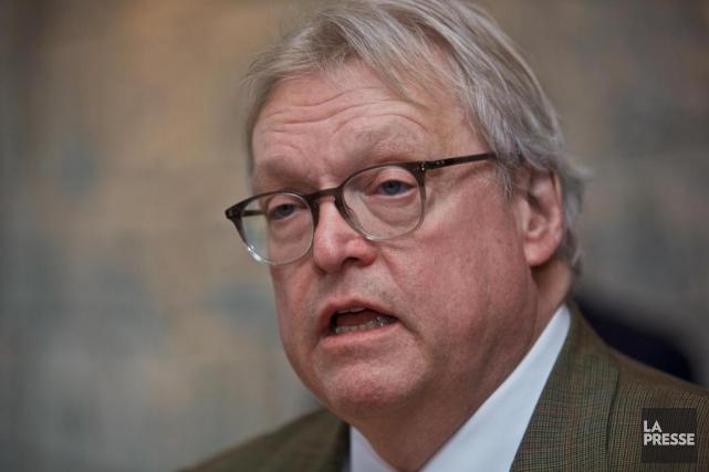 Le ministre de la Santé et des Services... (André Pichette, archives La Presse)