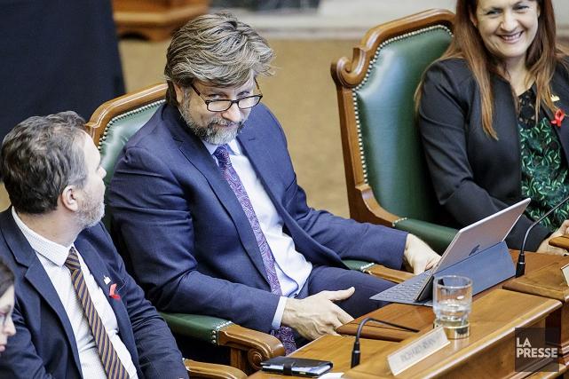 Luc Ferrandez, au premier conseil municipal de la... (Alain Roberge, archives La Presse)