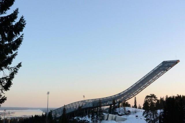 La piste de saut à ski de Holmenkollen... (Photo Bernard Brault, Archives La Presse)
