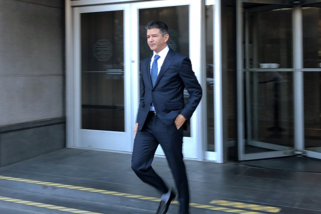 L'ex-pdg d'Uber Travis Kalanick quitte le palais de... (photo REUTERS)