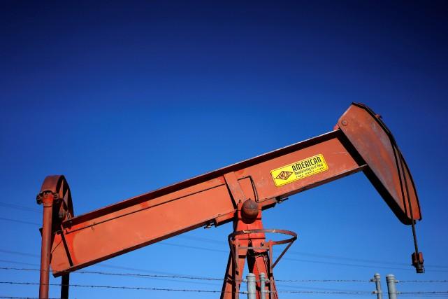 Le prix du pétrole new-yorkais et londonien a terminé jeudi sa cinquième séance... (PHOTO ARCHIVES REUTERS)