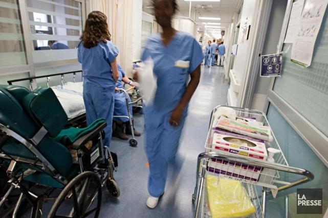 Le nombre d'heures supplémentaires chez les infirmières est... (PHOTO FRANçOIS ROY, archives LA PRESSE)