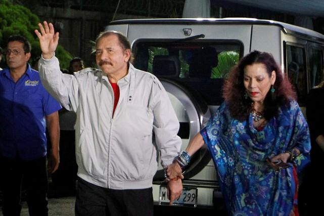 Daniel Ortega et sa femme Rosario Murillo... (Photo archives REUTERS)