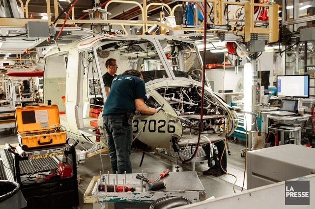 Les16hélicoptères Bell412 EPI devaient être fabriqués à l'usine... (PHOTO HUGO-SÉBASTIEN AUBERT, ARCHIVES LA PRESSE)