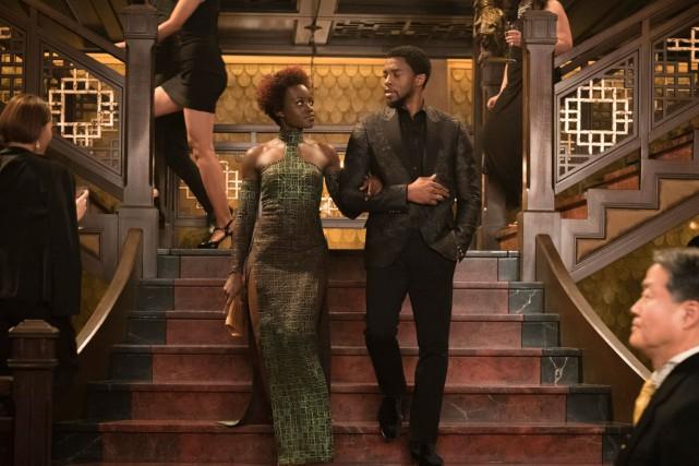 Lupita Nyong'o et Chadwick Boseman dans une scène... (Photo fournie par Marvel Studios-Disney)