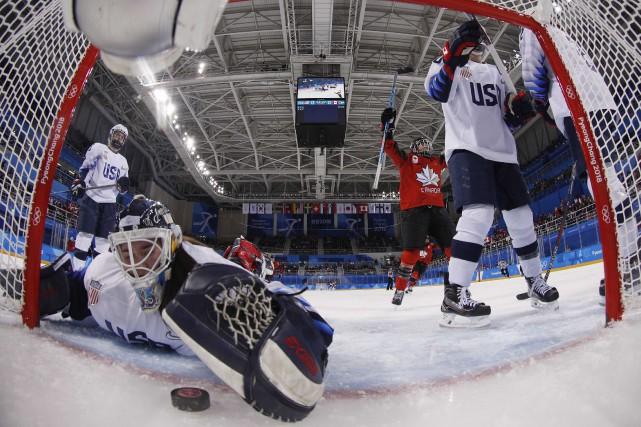 La gardienne américaine Madeline Rooney ne peut que... (Photo Grigory Dukor, REUTERS)
