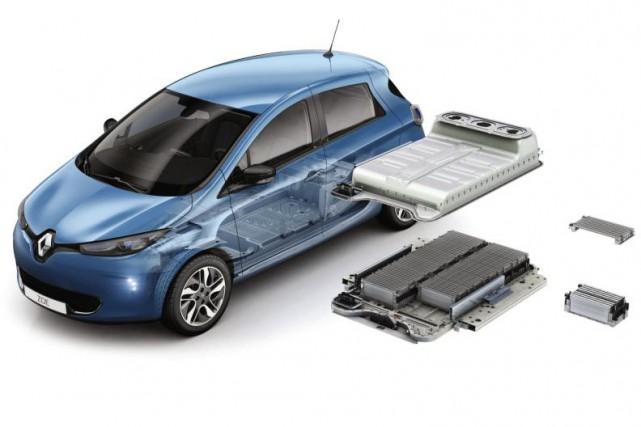 Une Renault Zoé tout électrique et sa batterie.... (Image : Renault)