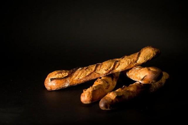 La baguette, ce pain de forme très allongée... (Photo Olivier PontBriand, La Presse)