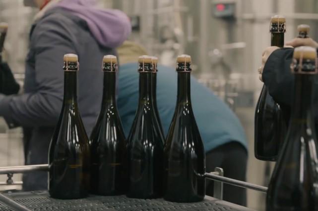 Plus de 800 bouteilles de Blanc de Noirs... (Photo tirée de la page Facebook de Rathfinny Estate)