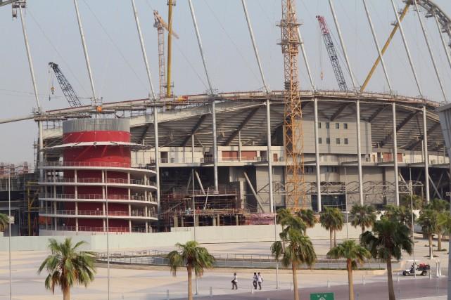 Coupe du monde au qatar le chantier d 39 un stade tait for Maison du monde qatar