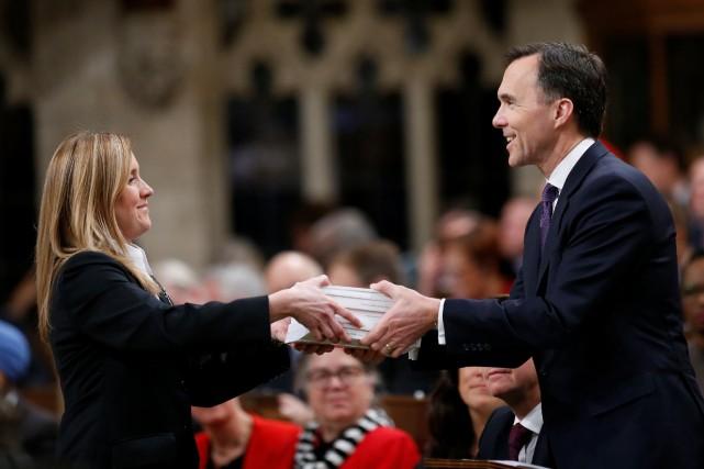 Le ministre des Finances, Bill Morneau, a présenté... (PHOTO REUTERS)