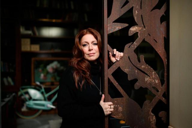 La chanteuse IsabelleBoulay dans son atelier de Pointe-Saint-Charles,... (Photo Martin Chamberland, archives La Presse)