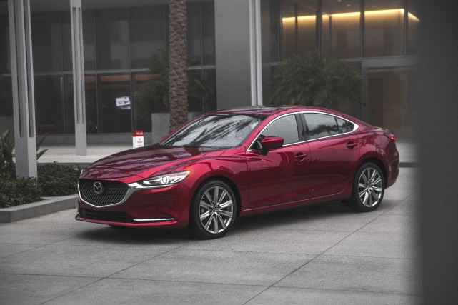 La Mazda6... (photo mazda)