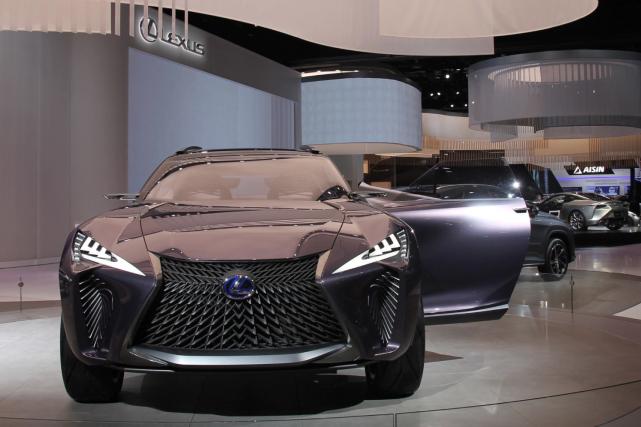 Le Lexus UX fait partie des VUS attendus... (Photo Motor Trend)