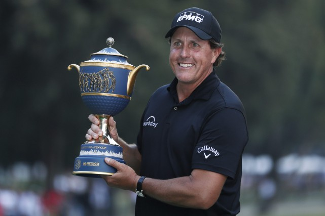 Phil Mickelson a mis fin à la plus... (Photo Eduardo Verdugo, AP)