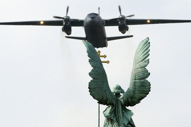 Sur cette photo de 2007, un avion An-26... (FERENC ISZA, ARCHIVES AFP)