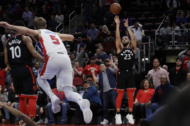 Fred VanVleet effectuant le lancer de la victoire.... (PHOTO AP)
