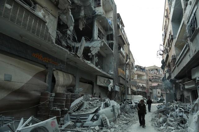 En dépit de son insistance humanitaire, seulement deux... (Photo Hamza Al-Ajweh, Agence France-Presse)