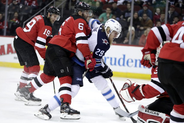 Patrik Laine (29)... (Photo Julio Cortez, AP)
