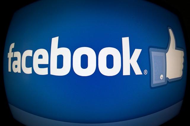 Facebook a expliqué vouloir proposer à ses utilisateurs... (Photo KAREN BLEIER, AFP)