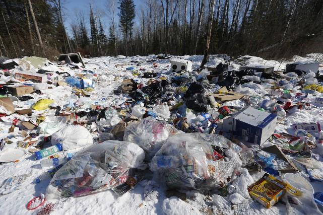 Ottawa devrait également mieux éduquer ses citoyens pour... (Photo La Presse canadienne)
