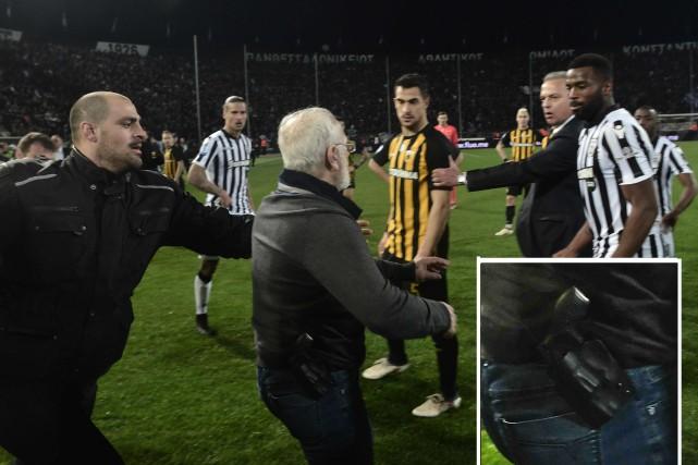 Ivan Savvidis semblait porter une arme à la... (AFP)