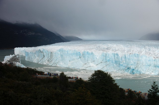 L'effondrement du Perito Moreno, inscrit au patrimoine mondial... (PHOTO AFP)