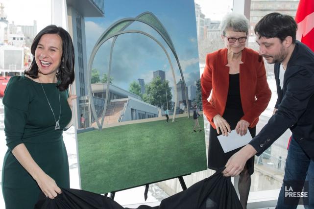 La mairesse de Montréal, Valérie Plante (à gauche)... (Photo Édouard Plante-Fréchette, La Presse)