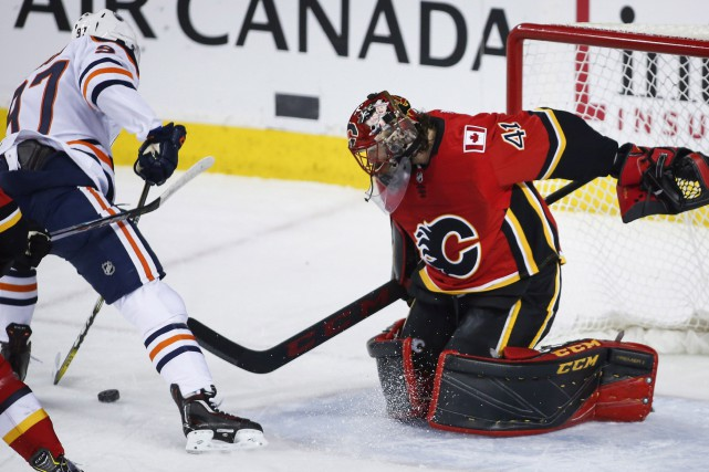 Mike Smith a stoppé 28 rondelles, Johnny Gaudreau a marqué le seul but du match... (PHOTO PC)