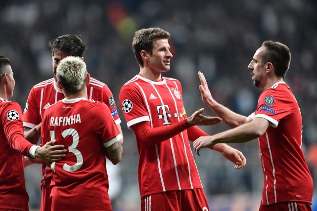 Le Bayern Munich a signé une 11e victoire... (Photo Ozan Kose, AFP)