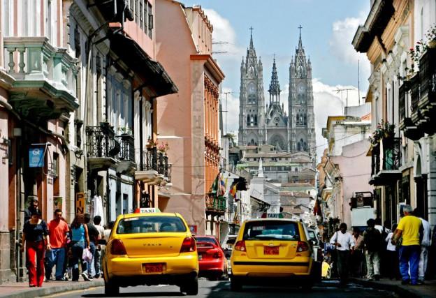 La Basilica Del Boto Nationale, en Équateur... (Photo Robert Skinner, Archives La Presse)