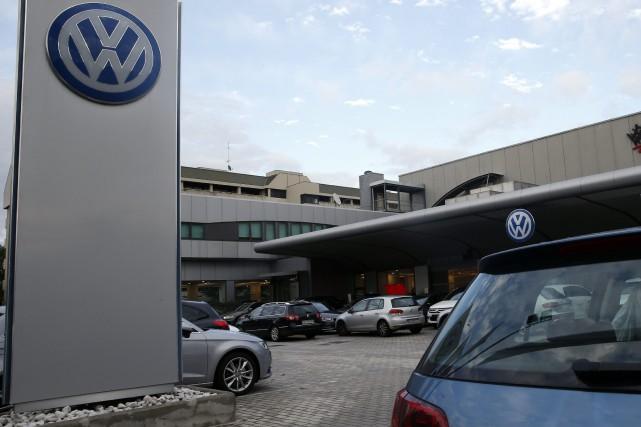 Cette fois, Volkswagen est dans la mire de... (photo AP)