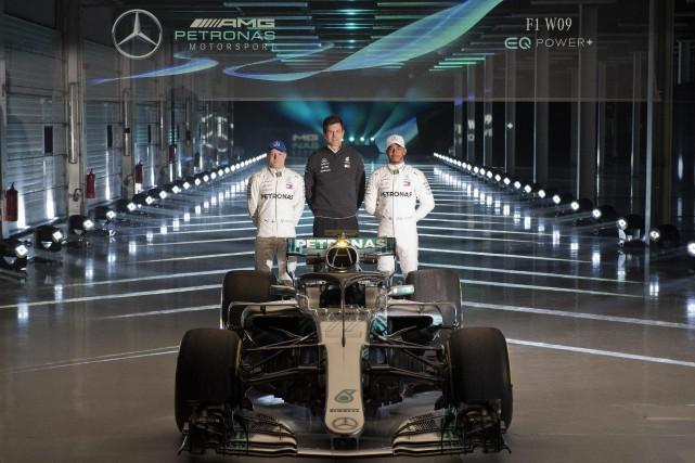 Ces deux pilotes vont-ils encore dominer la F1... (photo AFP)