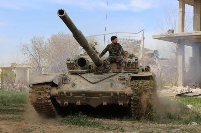 Au moins 62 combattants prorégime ont été tués dans une opération lancée lundi... (ARCHIVES AFP)