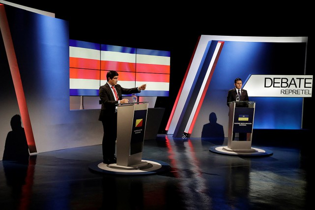 Carlos Alvarado et Fabricio Alvarado, lors d'un débat... (Juan Carlos Ulate, archives REUTERS)