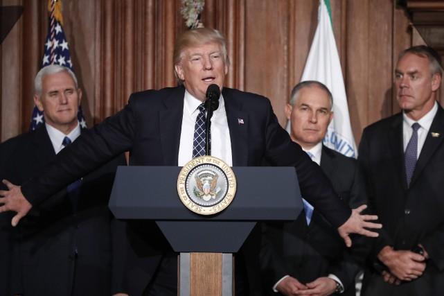 Le président Donald Trump clame la fin de... (AP)