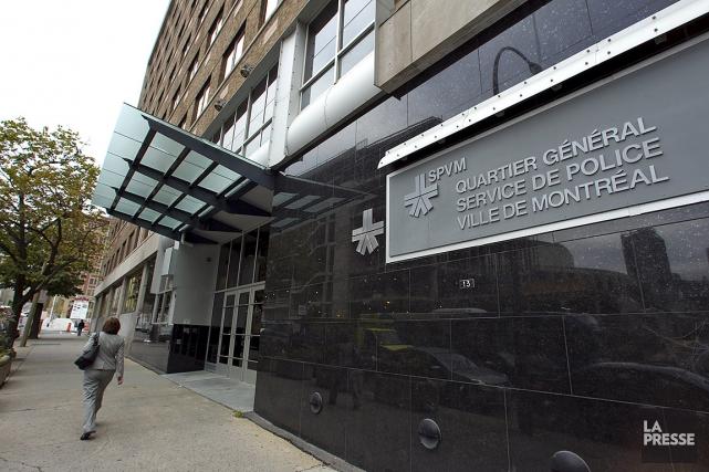 Sur cette photo, l'édifice du quartier général du... (PHOTO ALAIN ROBERGE, LA PRESSE)