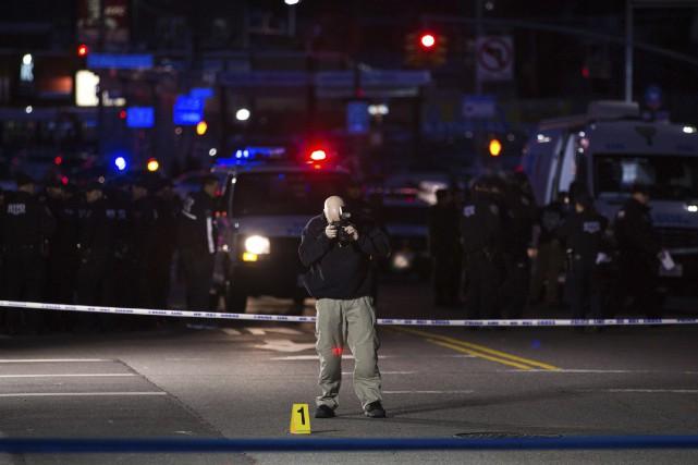 Un responsable de la police, Terence Monahan, a... (PHOTO Kevin Hagen, AP)