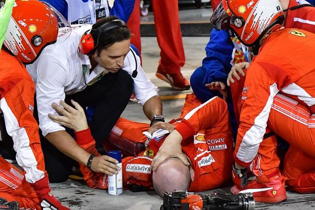 Un mécanicien de Ferrari a été blessé par... (PHOTO GIUSEPPE CACACE, AGENCE FRANCE-PRESSE)