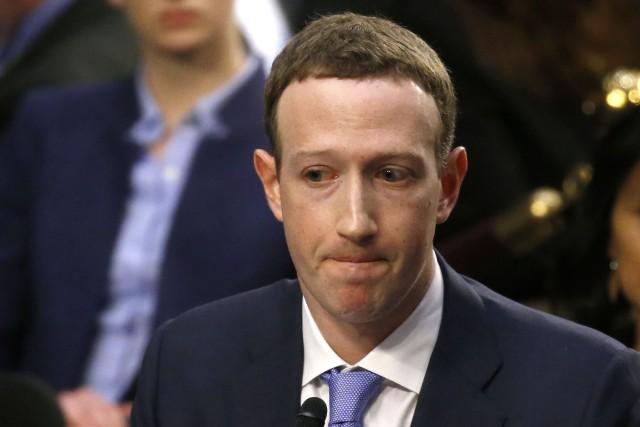Le PDG de Facebook, Mark Zuckerberg... (PHOTO Leah Millis, REUTERS)