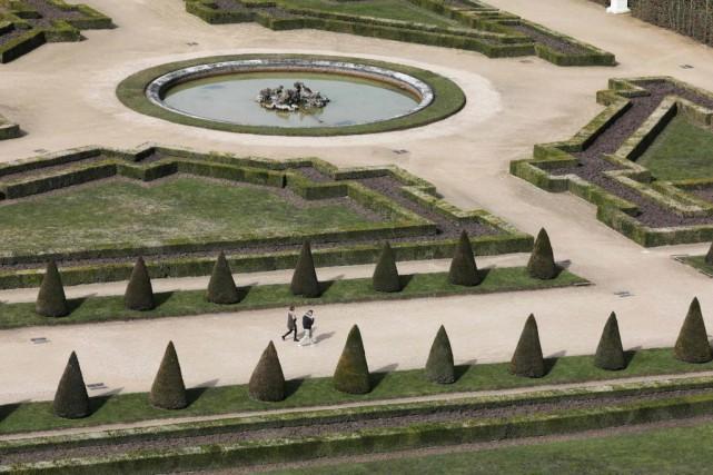 Les jardins de Versailles, et leurs quelque 17000... (photoLudovic MARIN, archives agence france-presse)