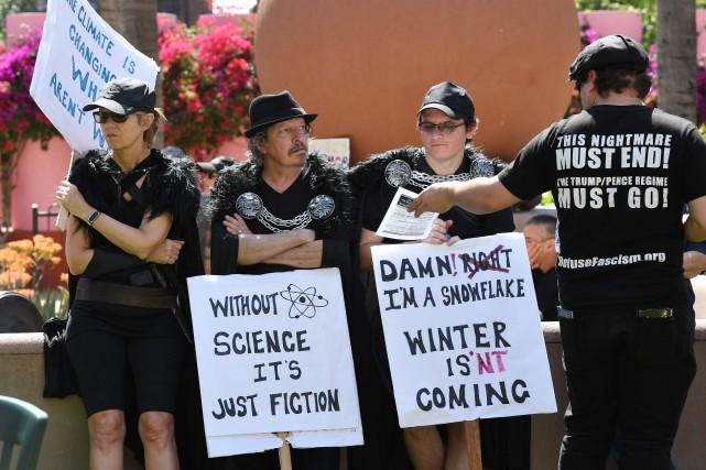 À Washington, quelques centaines de manifestants ont exprimé... (PHOTO Mark Ralston, AFP)