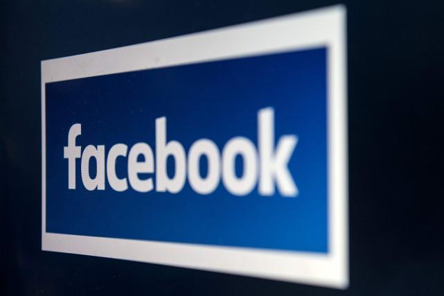 Facebook prévient que le réseau social proposera prochainement... (Photo Oli SCARFF, Agence France-Presse)