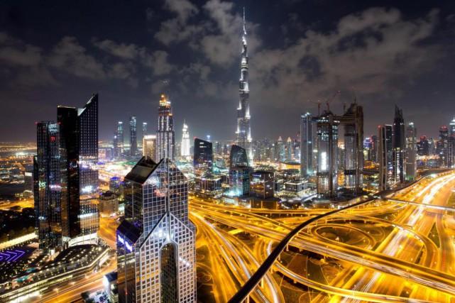 Vue sur le centre-ville de Dubaï et le... (Photo Sarah Mongeau-Birkett, La Presse)